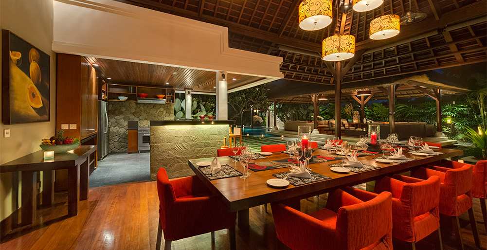 Villa Asta-Villa Asta - Dining area at night