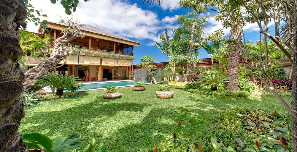Villa kinara 6 bedroom villa seminyak bali for 6 bedroom villa bali