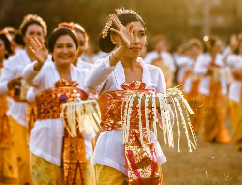 Mind Your Manners: DOs and DON'Ts in Bali